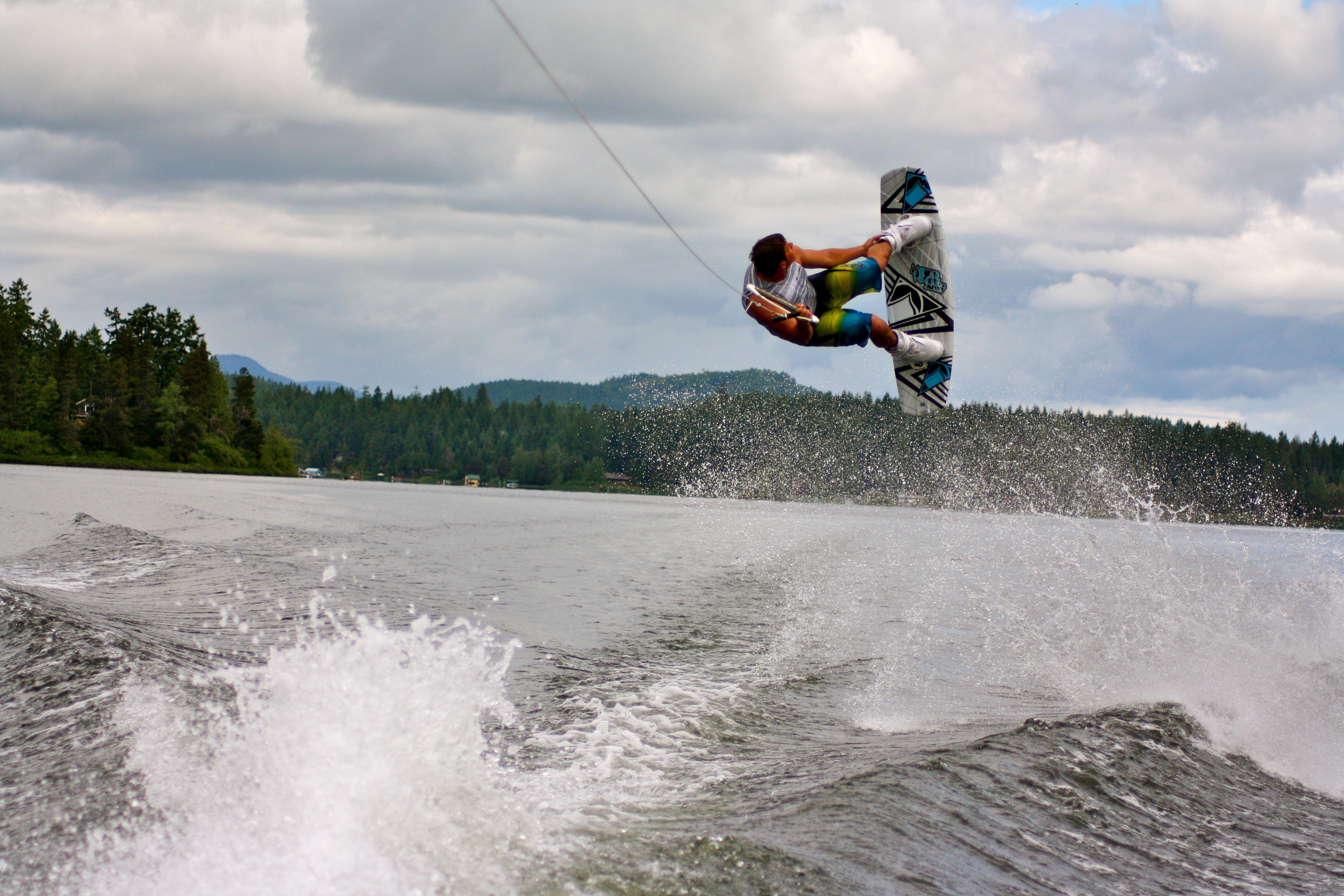 Wakeboarding tricks